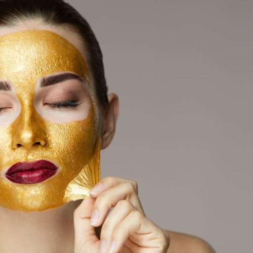 Recover the luminosity of your face with Gold Mask